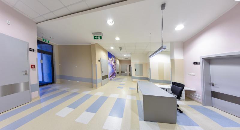 Korytarze wewnętrzne szpitala